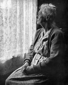 Elderly_Woman_,_B&W_image_by_Chalmers_Butterfield